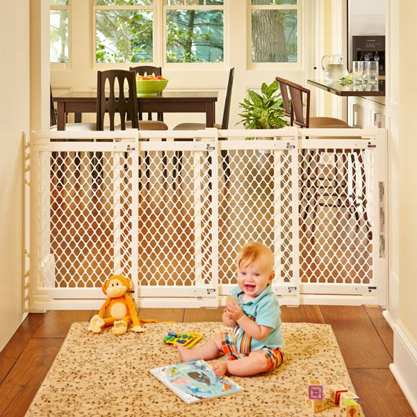 Extra Wide Retractagble Expendable Baby Gate